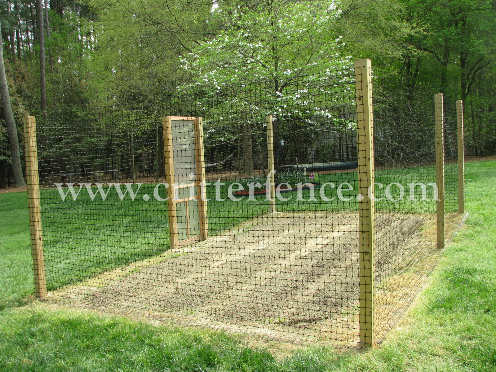 chris raleigh nc deer fence on wood posts garden idea vegetablegardenfenceideaslandscapetraditionalwithdeerfence